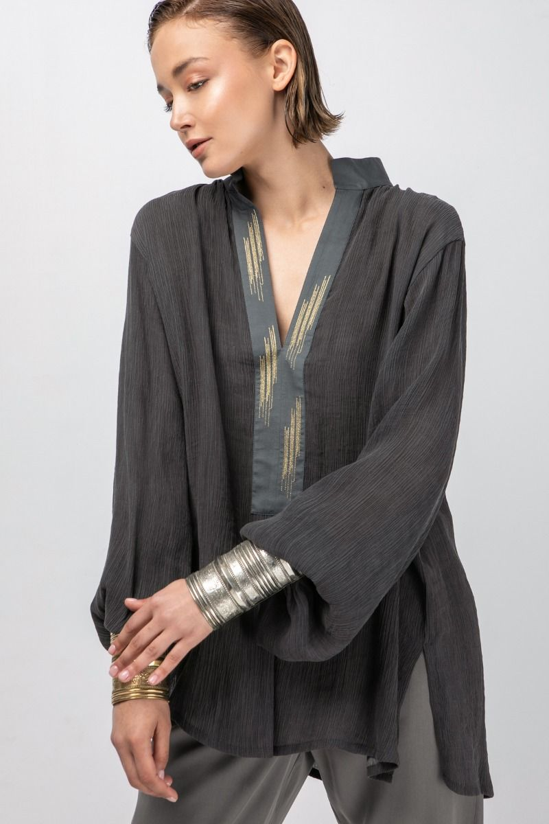 Blouse in anthracite with gold details