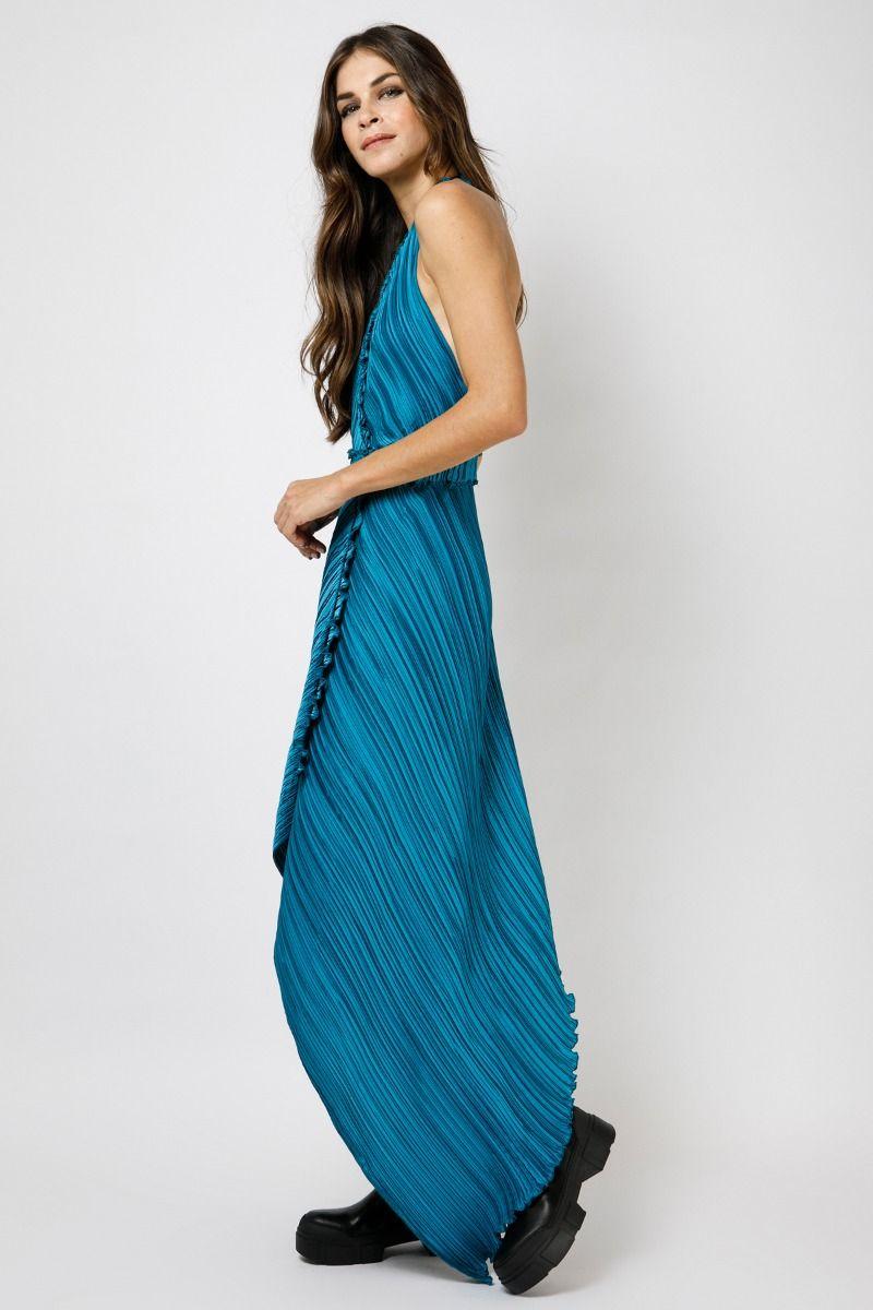Ασύμμετρο μακρύ φόρεμα με ανοιχτή πλάτη