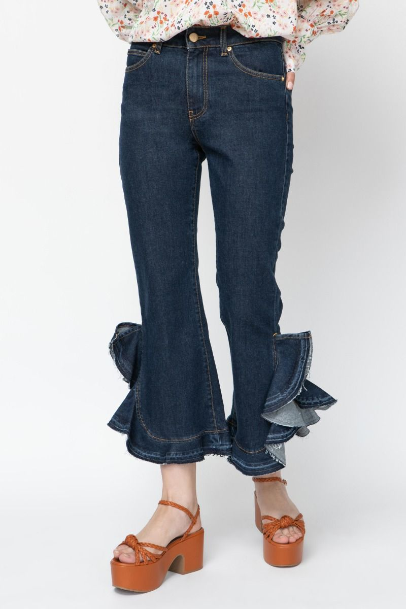 Jeans pants with ruffled hems