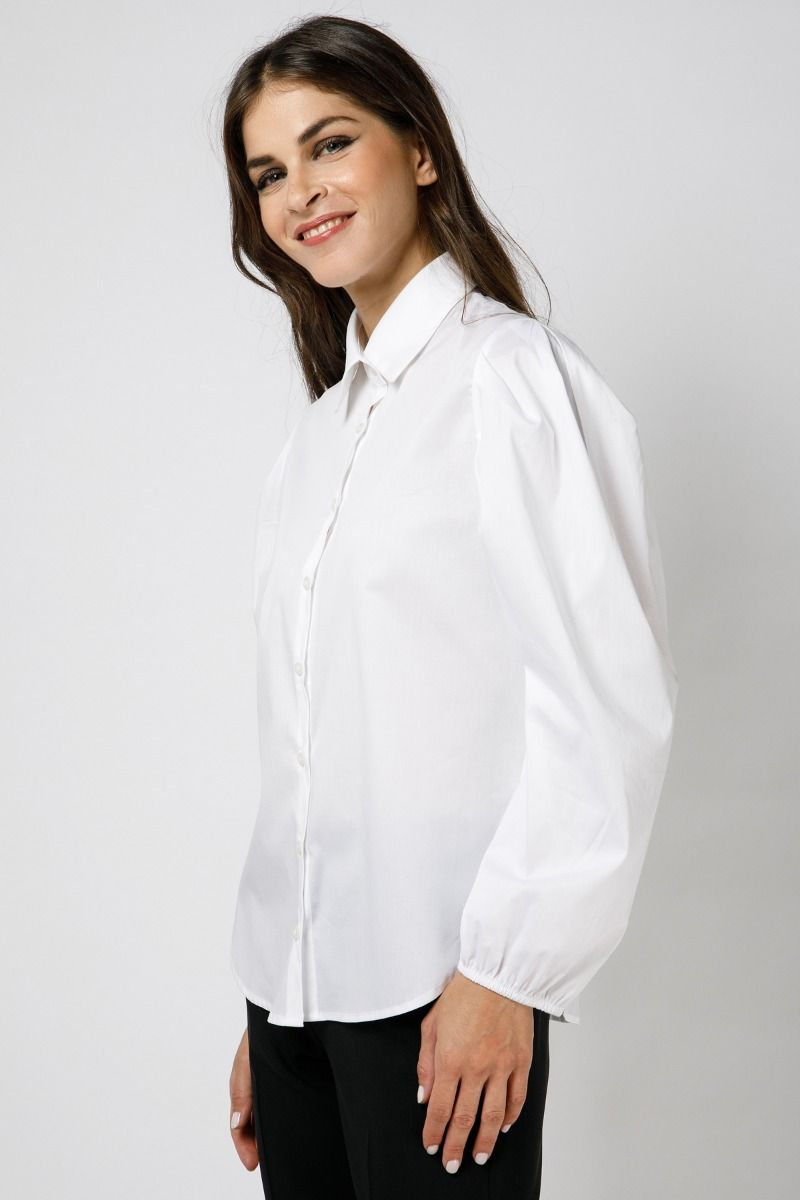 White shirt in poplin