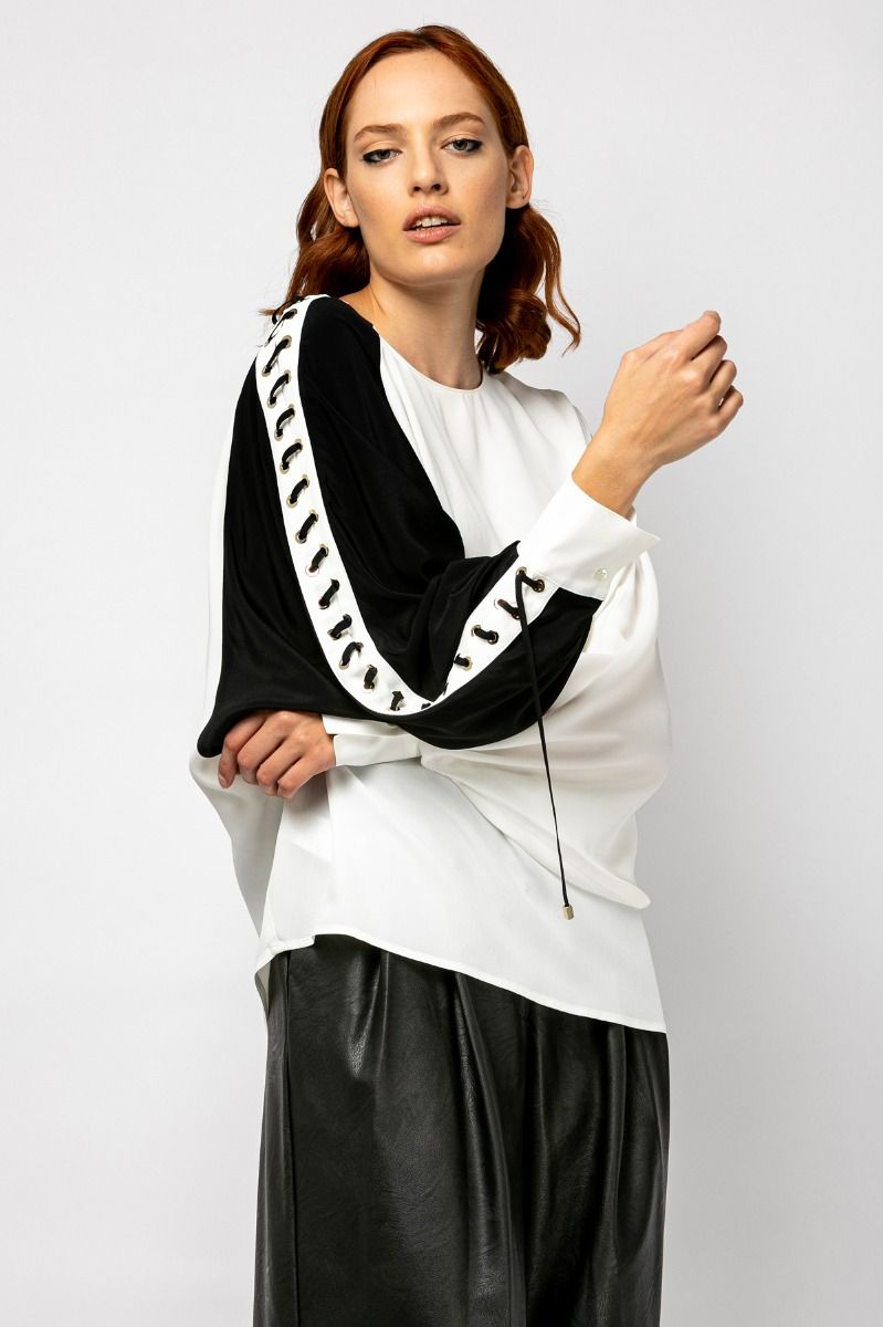 Black & white blouse with voluminous sleeves