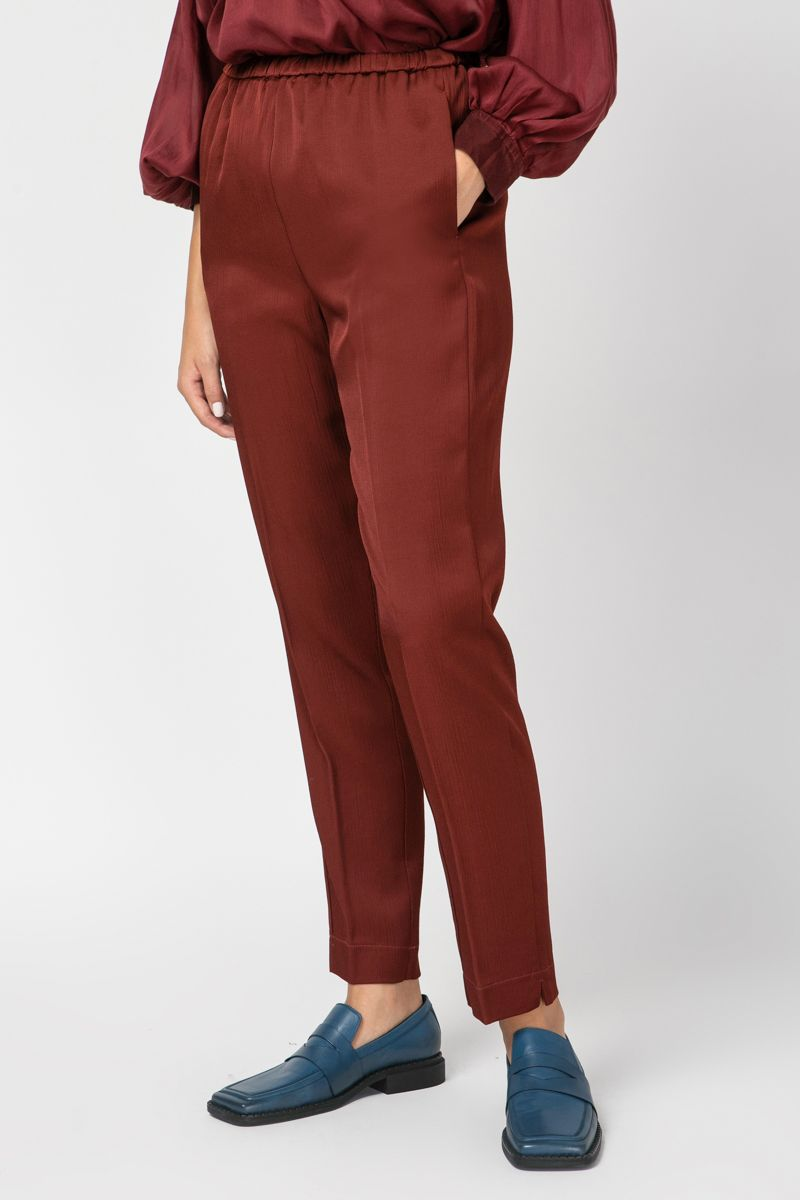 Trousers in light viscose