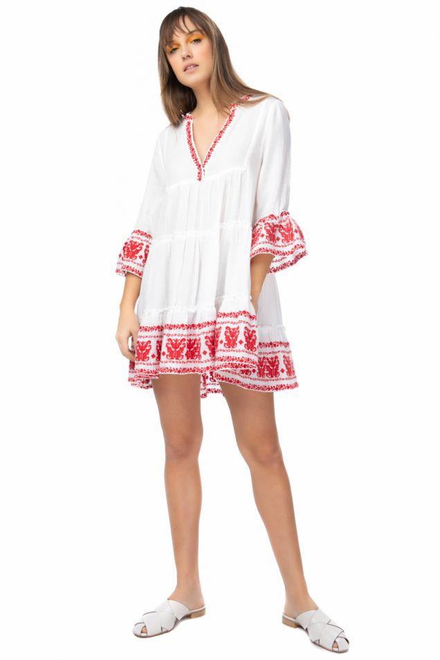 Ασπρο φόρεμα με κόκκινα κεντήματα