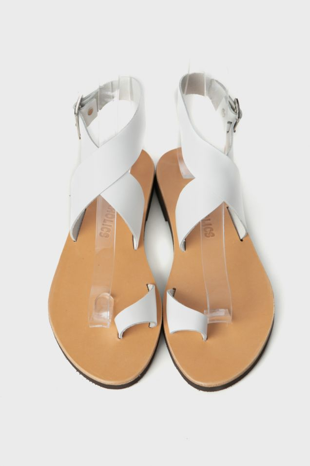 White leather flat thong sandals
