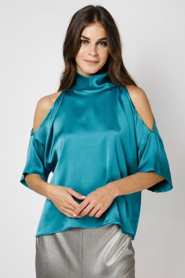 Cropped off-shoulder top in turquoise