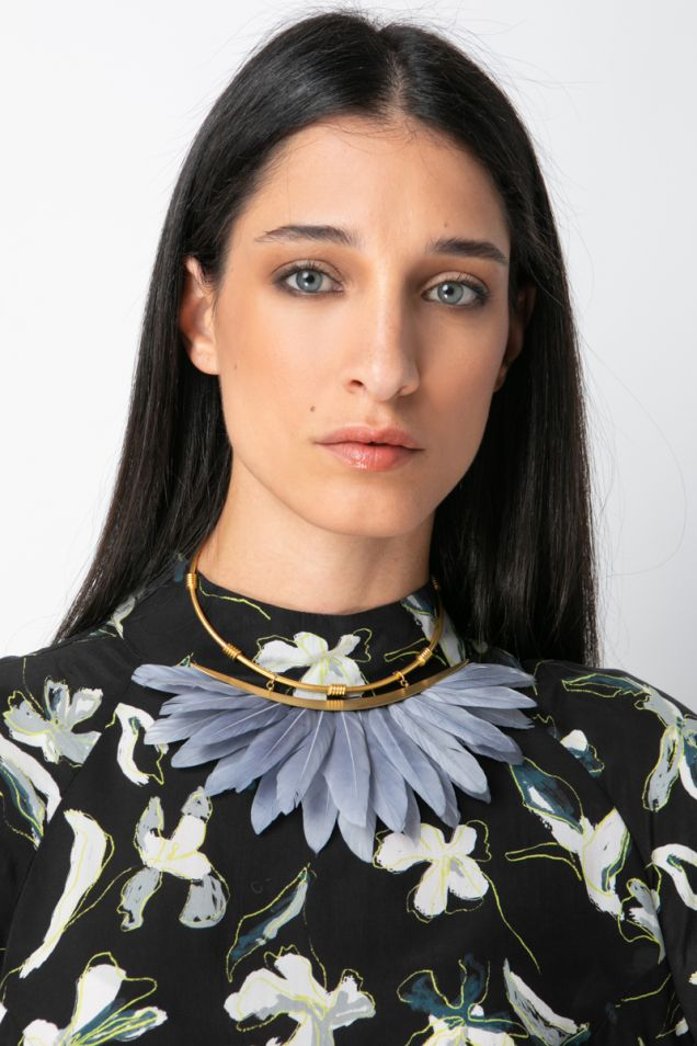 Feather gold plated metal collar necklace