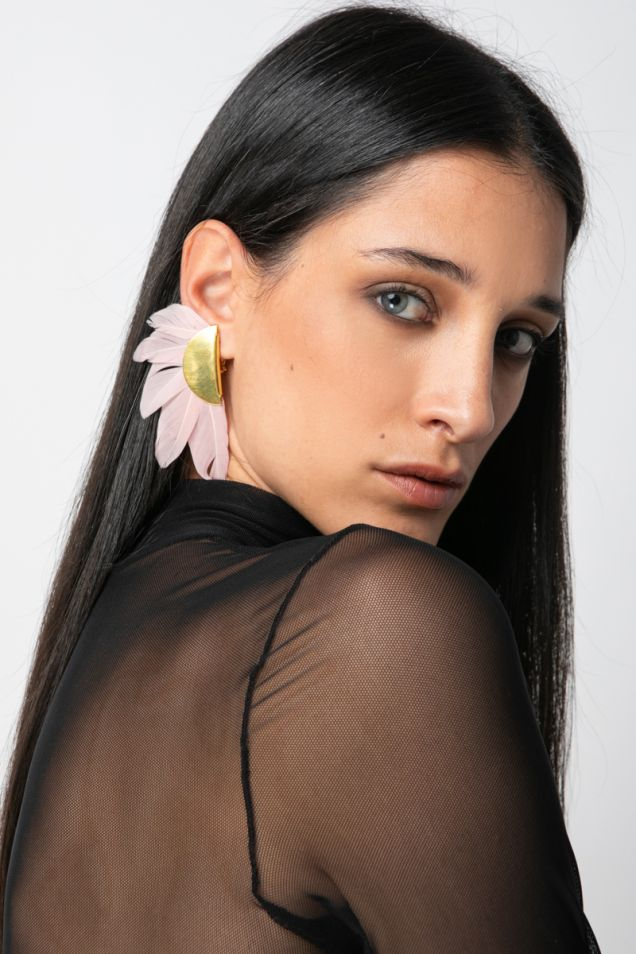 Feather and gold plated metal clip earrings
