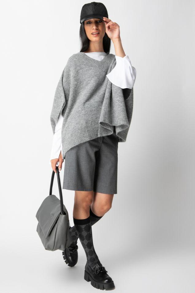 Bermuda-shorts in gray color
