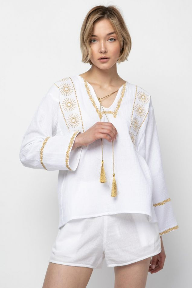 Blouse in white with gold embroidery