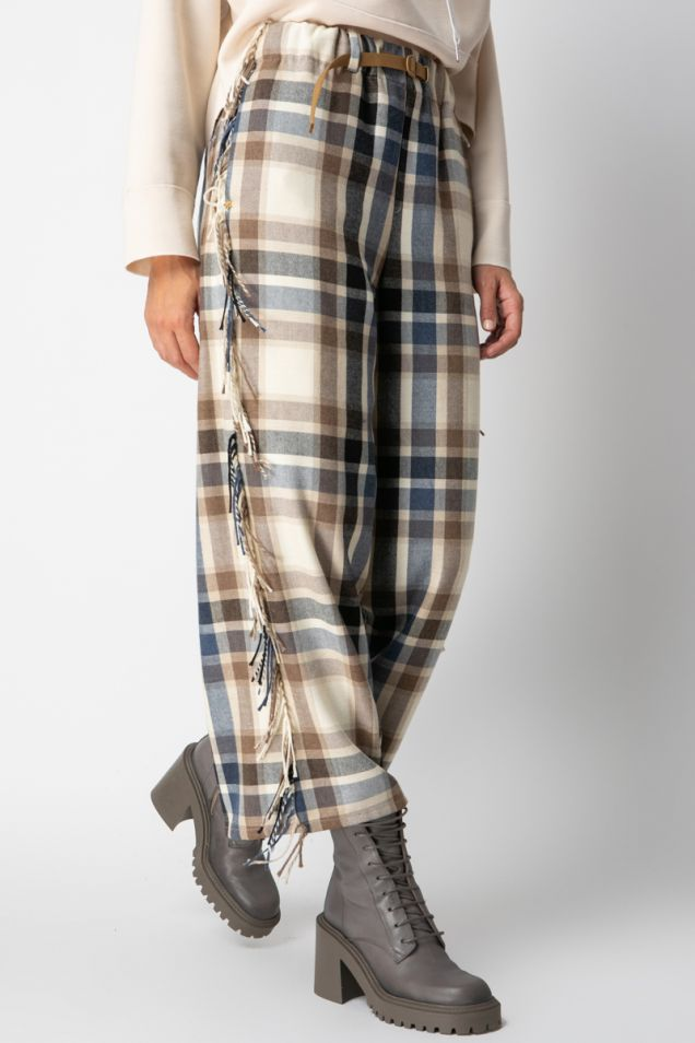 Checked pants embellished with fringes
