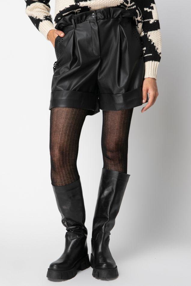 Wide-leg shorts in black