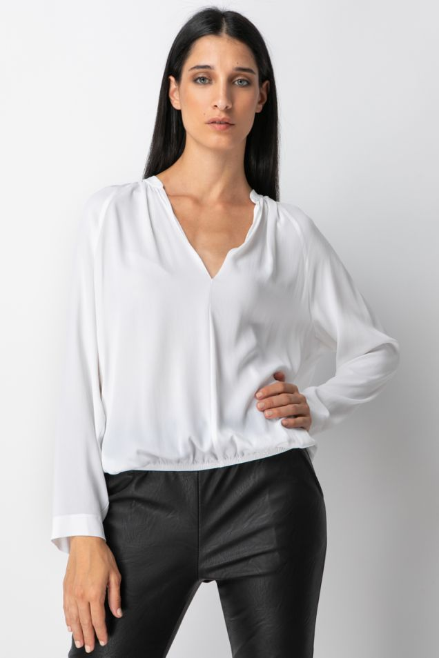 White blouse in crepe