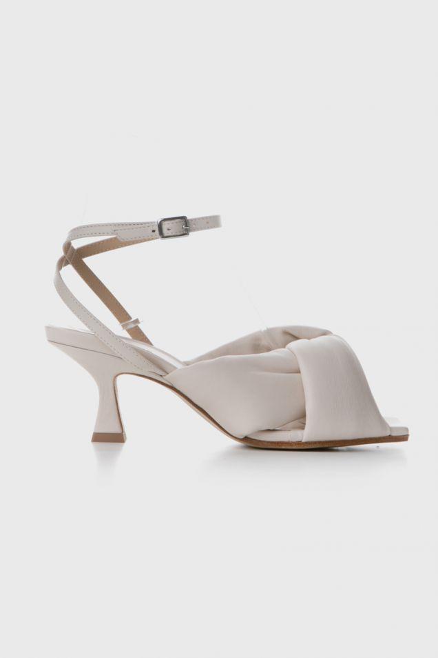 Bone -white sandals with spool heel