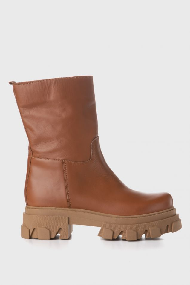 Ankle boots with chunky sole