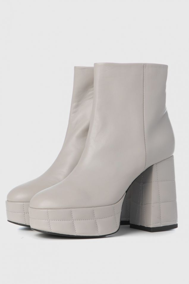 Ice-white leather ankle boots with platform and chunky heel