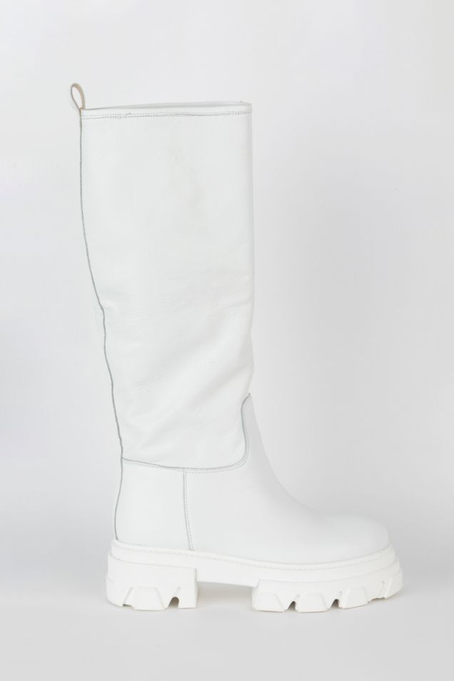 White boots with chunky sole