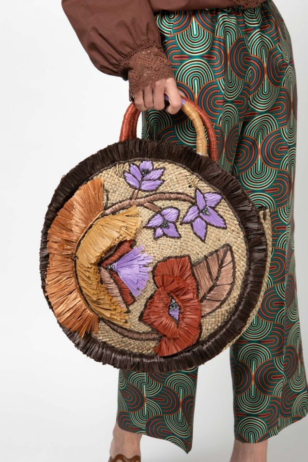 Straw embroidered bag