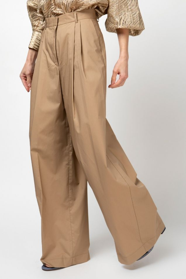 Pleated wide- leg trousers