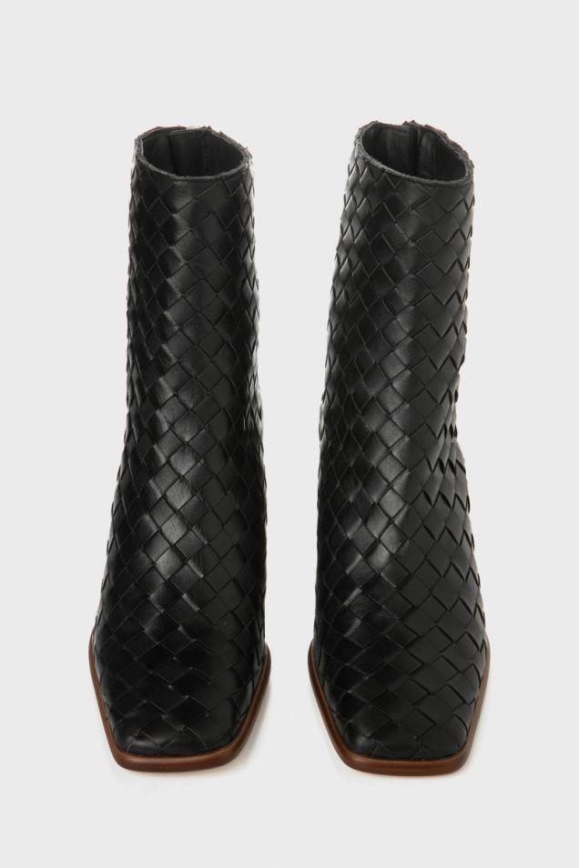 Μπότες από πλεκτό δέρμα