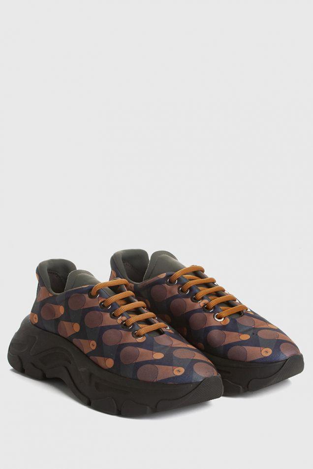 Sneakers in printed neoprene