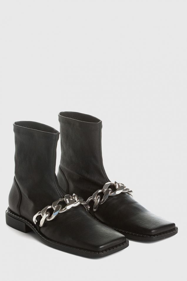 Quadro flat ankle boots in stretchy nappa with silver chain